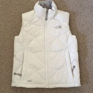 NEVER WORN North face puffer vest